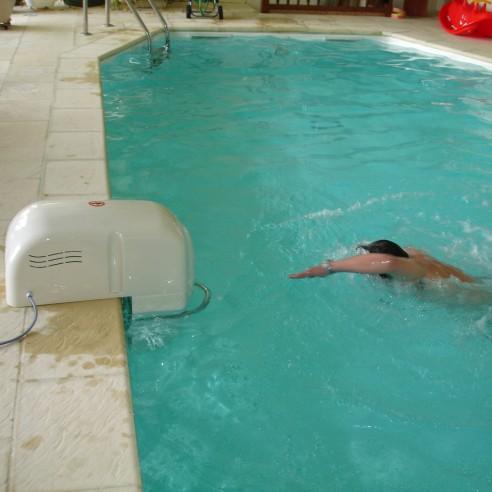 optez pour cette nage a contre courant hors bord jl30 au meilleur prix piscineindustrie. Black Bedroom Furniture Sets. Home Design Ideas
